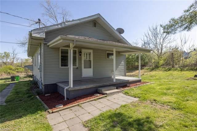 719 Newport Avenue, Uhrichsville, OH 44683 (MLS #4273806) :: Tammy Grogan and Associates at Keller Williams Chervenic Realty