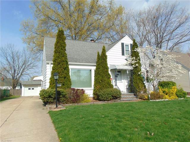 1726 Gilbert Drive, Mayfield Heights, OH 44124 (MLS #4274257) :: Keller Williams Chervenic Realty