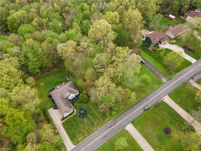 Sampson, Girard, OH 44420 (MLS #4275094) :: Keller Williams Chervenic Realty