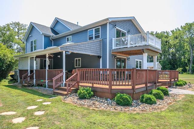 35736 W Island Drive, Eastlake, OH 44095 (MLS #4275250) :: Tammy Grogan and Associates at Keller Williams Chervenic Realty