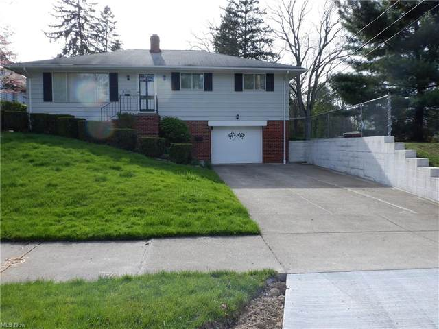 6390 Dunham Road, Maple Heights, OH 44137 (MLS #4275741) :: The Crockett Team, Howard Hanna