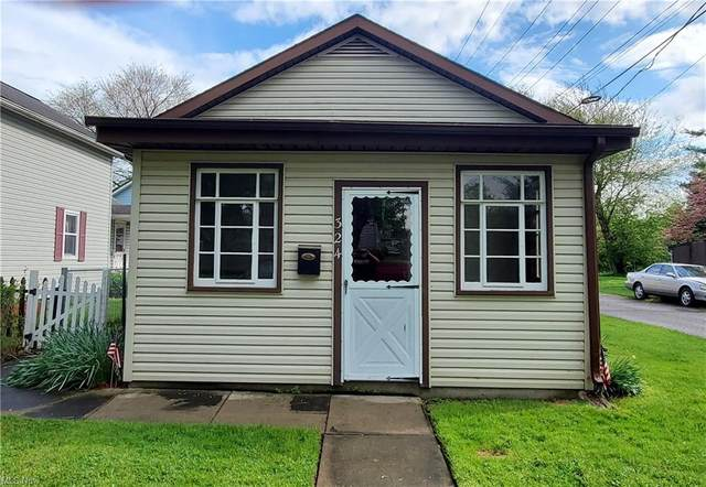 324 St. Clair Avenue SW, New Philadelphia, OH 44663 (MLS #4276618) :: Select Properties Realty