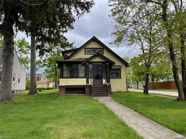 4315 Forestwood Drive, Parma, OH 44134 (MLS #4277301) :: The Kaszyca Team