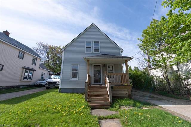 3403 Saratoga Avenue, Cleveland, OH 44109 (MLS #4277726) :: The Kaszyca Team