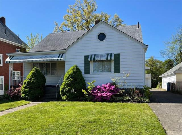 2220 E 30th Street, Lorain, OH 44055 (MLS #4279059) :: The Jess Nader Team | RE/MAX Pathway