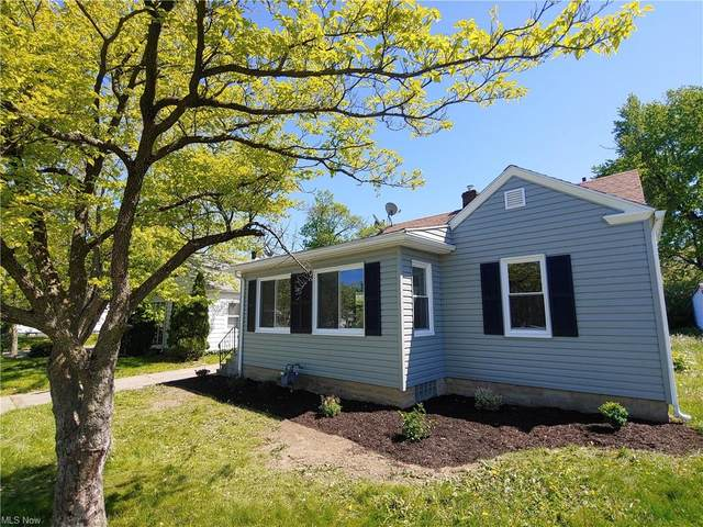 507 W 32nd Street, Lorain, OH 44055 (MLS #4279201) :: The Jess Nader Team | RE/MAX Pathway