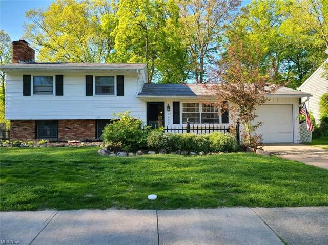 4986 Mapleview Drive, Vermilion, OH 44089 (MLS #4279464) :: The Holly Ritchie Team