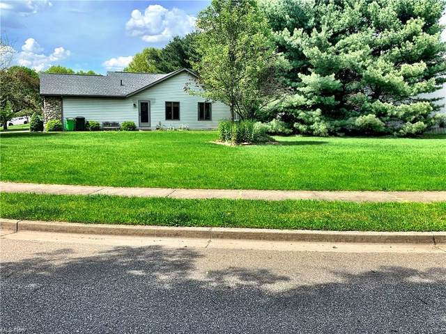 Pinedale Drive, Dover, OH 44622 (MLS #4280309) :: The Jess Nader Team | RE/MAX Pathway