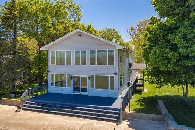 2703 E Sand Road, Port Clinton, OH 43452 (MLS #4280725) :: RE/MAX Trends Realty