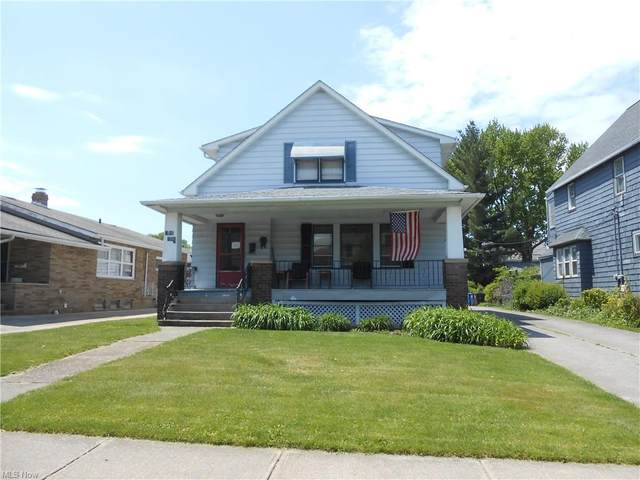 1586 Clarence Avenue, Lakewood, OH 44107 (MLS #4281098) :: The Holly Ritchie Team