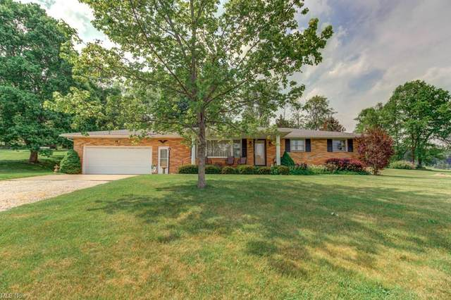 877 Roswell Road NW, Carrollton, OH 44615 (MLS #4282784) :: The Tracy Jones Team
