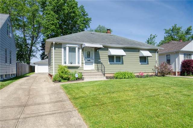 5304 E 141st Street, Maple Heights, OH 44137 (MLS #4283546) :: The Holden Agency