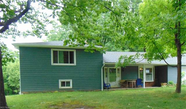 30661 Meadowbrook Drive, Willoughby Hills, OH 44094 (MLS #4284090) :: The Crockett Team, Howard Hanna