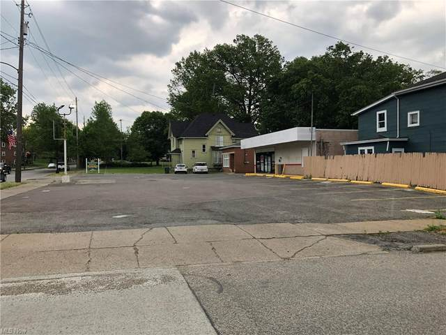 E State Street, Salem, OH 44460 (MLS #4285050) :: RE/MAX Trends Realty