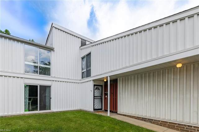 28 Sutton Place #28, Shaker Heights, OH 44120 (MLS #4287006) :: TG Real Estate
