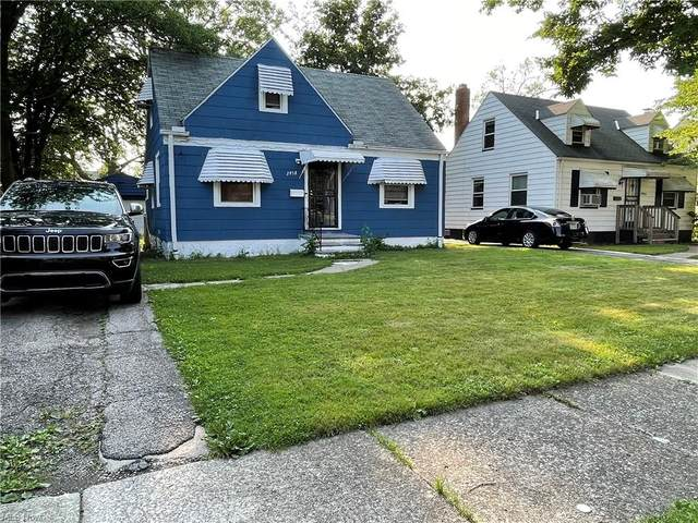 3958 Lee Heights Boulevard, Cleveland, OH 44128 (MLS #4287171) :: RE/MAX Trends Realty