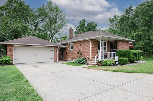12116 Bangor Avenue, Garfield Heights, OH 44125 (MLS #4287222) :: The Holden Agency