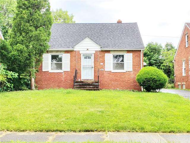 3943 Lee Heights Boulevard, Cleveland, OH 44128 (MLS #4288620) :: Select Properties Realty