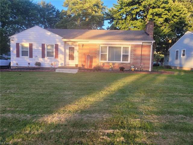 4665 New England Boulevard, Youngstown, OH 44512 (MLS #4289491) :: The Holly Ritchie Team