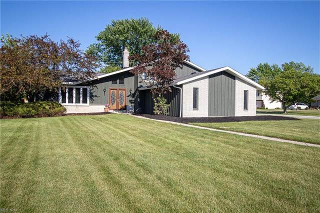 16273 Robindale Drive, Strongsville, OH 44136 (MLS #4289623) :: The Art of Real Estate