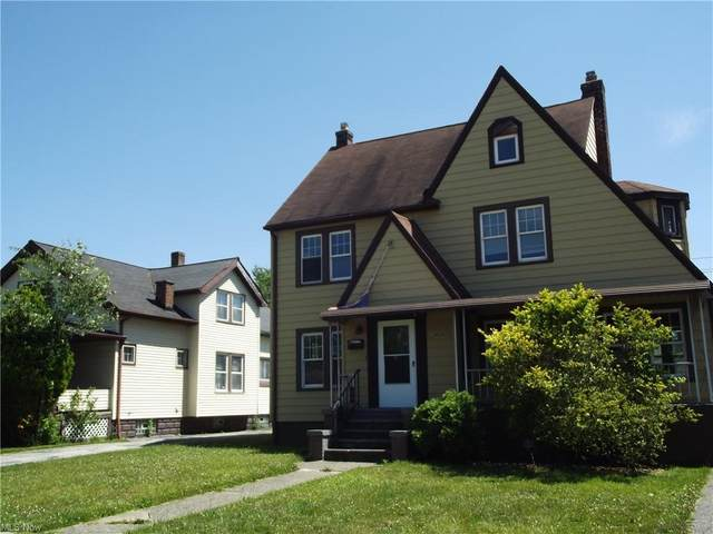 10210 Robinson Avenue, Garfield Heights, OH 44125 (MLS #4289907) :: TG Real Estate