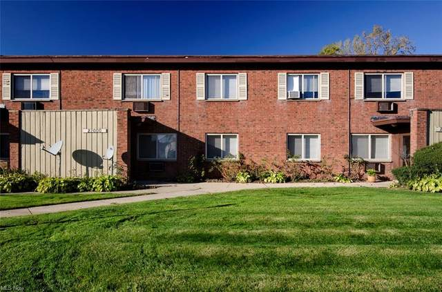 22074 River Oaks Drive 7C, Rocky River, OH 44116 (MLS #4290450) :: The Art of Real Estate