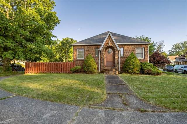 3300 W 131 Street, Cleveland, OH 44111 (MLS #4291470) :: The Jess Nader Team | REMAX CROSSROADS