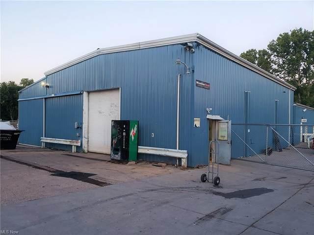 6867 Pike Street, Mineral Wells, WV 26150 (MLS #4291472) :: Tammy Grogan and Associates at Keller Williams Chervenic Realty
