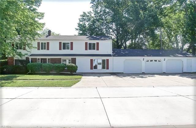 9135 Fernwood Drive, Olmsted Falls, OH 44138 (MLS #4292002) :: The Art of Real Estate