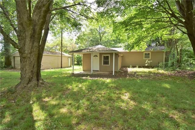 1482 North Hubbard Road, Hubbard, OH 44425 (MLS #4293308) :: The Art of Real Estate