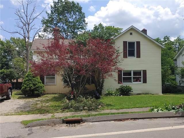 221 E King Street, Chardon, OH 44024 (MLS #4293948) :: Tammy Grogan and Associates at Keller Williams Chervenic Realty