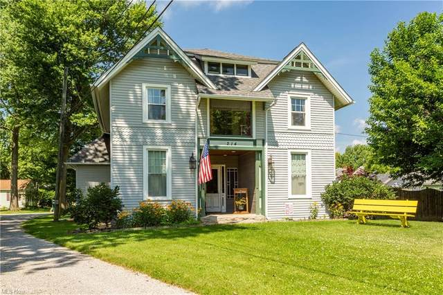 214 S Main Street, Wellington, OH 44090 (MLS #4294803) :: The Holly Ritchie Team