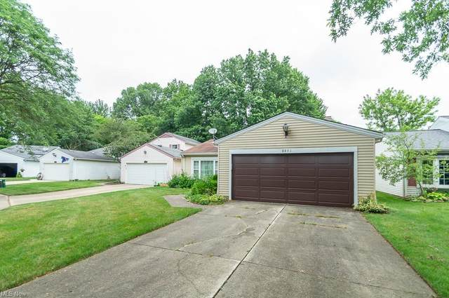 8891 Summerset Lane #115, Olmsted Falls, OH 44138 (MLS #4295022) :: The Art of Real Estate