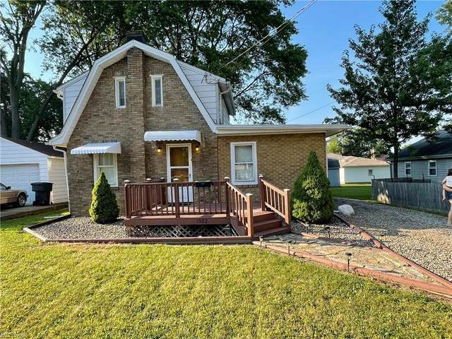 1522 Bradford Street NW, Warren, OH 44485 (MLS #4295631) :: The Holly Ritchie Team