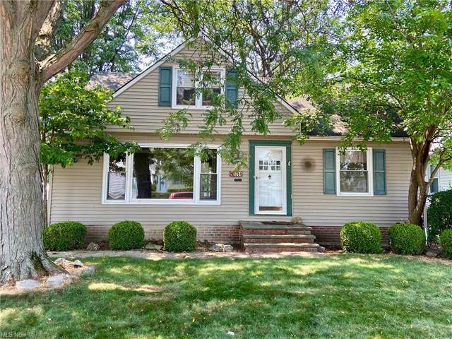 766 E 300th Street, Willowick, OH 44095 (MLS #4296332) :: The Holden Agency