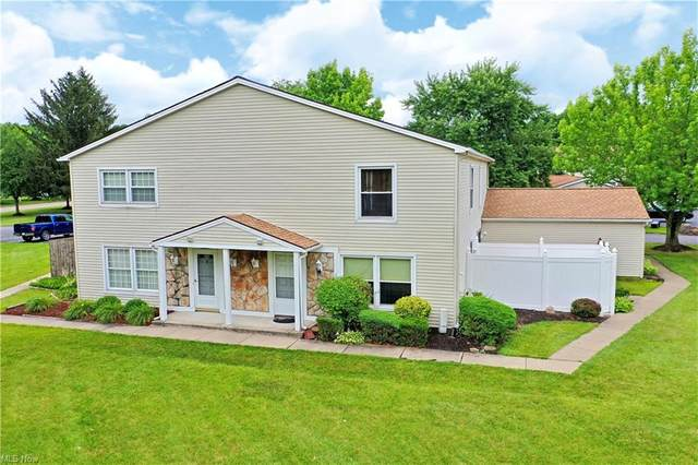 2962 Ivy Hill Circle B, Cortland, OH 44410 (MLS #4296678) :: The Art of Real Estate