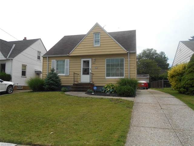 5905 Traymore Avenue, Cleveland, OH 44144 (MLS #4298883) :: The Holden Agency