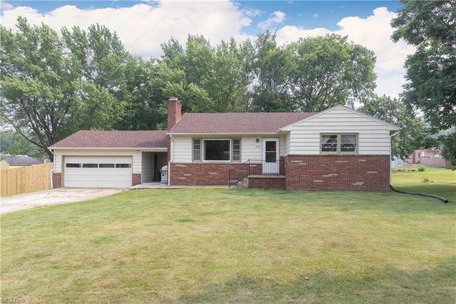 3823 Huntmere Avenue, Austintown, OH 44515 (MLS #4300602) :: The Holden Agency