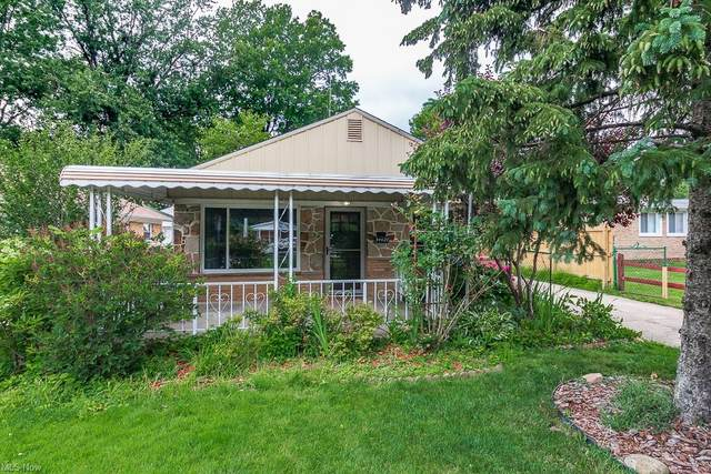 34027 Roberts Road, Eastlake, OH 44095 (MLS #4300738) :: The Holly Ritchie Team