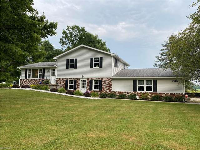 13647 Leffingwell Road, Berlin Center, OH 44401 (MLS #4300752) :: The Art of Real Estate
