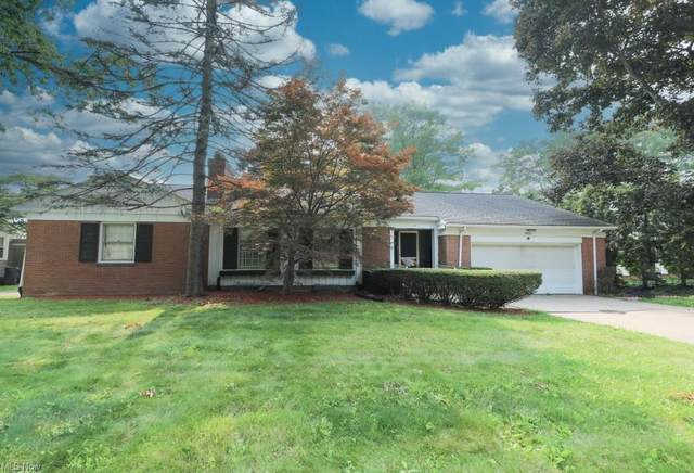 4036 Stratford Road, Youngstown, OH 44512 (MLS #4300884) :: The Holden Agency