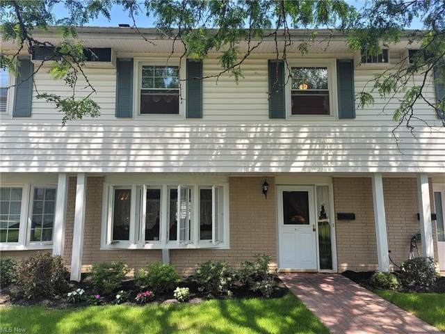 13 Meadowlawn Drive #4, Mentor, OH 44060 (MLS #4301108) :: The Holly Ritchie Team