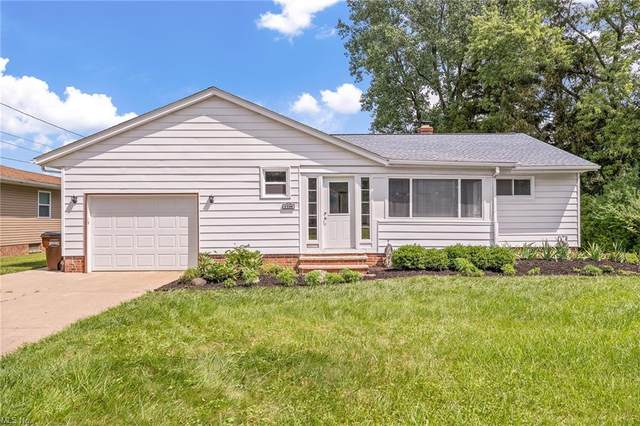 1106 Orchardview Road, Parma, OH 44134 (MLS #4301458) :: The City Team