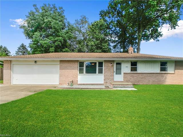 3163 List Street NW, Massillon, OH 44646 (MLS #4301689) :: Calabris Real Estate Group