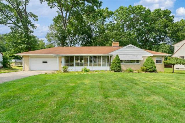 5348 W Rockwell Road, Youngstown, OH 44515 (MLS #4302043) :: Select Properties Realty