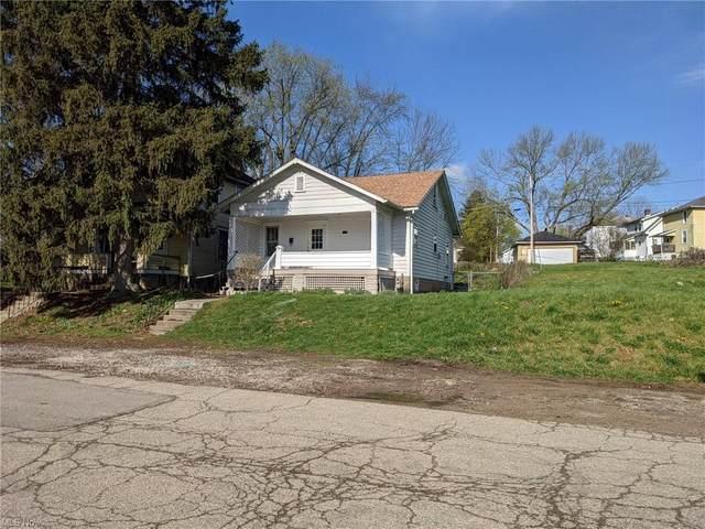 1435 Bluff Street, Zanesville, OH 43701 (MLS #4302230) :: The Kaszyca Team