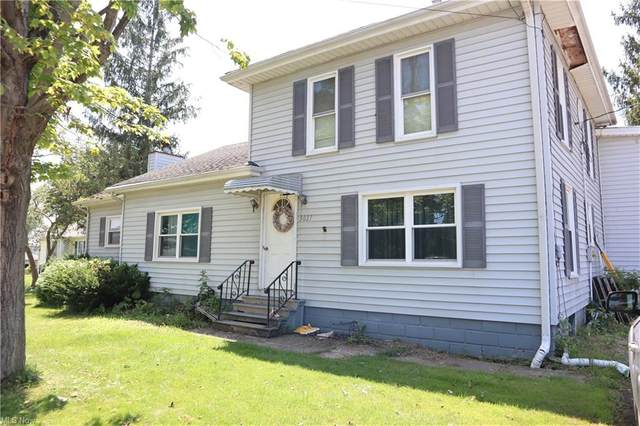 5027 Center Road, Conneaut, OH 44030 (MLS #4302236) :: The Art of Real Estate