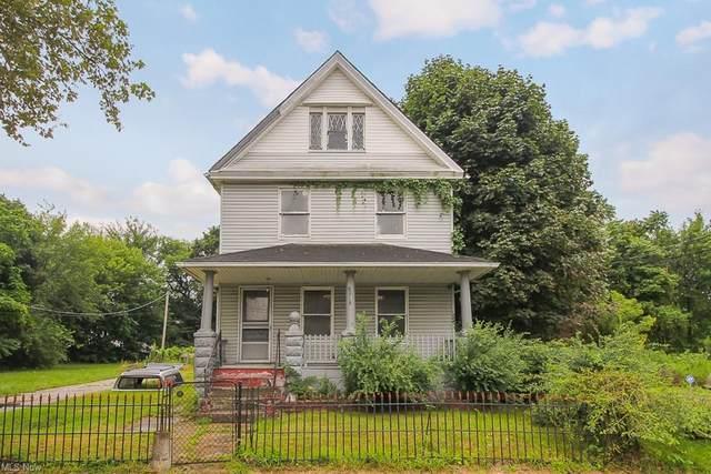 8918 Folsom Avenue, Cleveland, OH 44104 (MLS #4302371) :: TG Real Estate