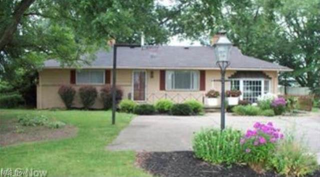 21176 State Route 62, Alliance, OH 44601 (MLS #4302382) :: The Holly Ritchie Team