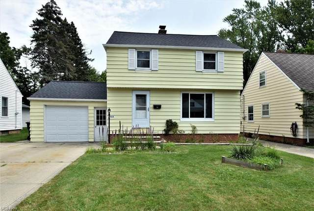 927 Glenside Road, South Euclid, OH 44121 (MLS #4302601) :: The Holden Agency